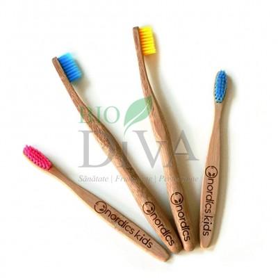 Periuță de dinți din bambus pentru adulți Nordics