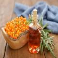 Gel pentru îngrijirea și definirea sprâncenelor cu ulei de cătină