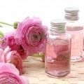 Apa florala de trandafir