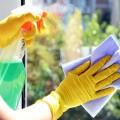 Soluție ecologică de curățare a geamurilor
